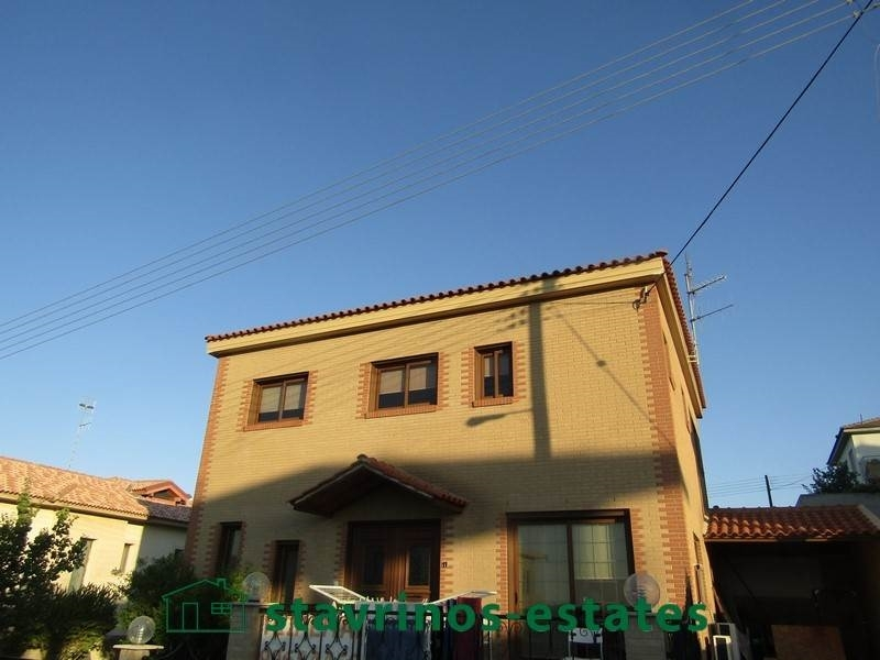 (For Sale) Residential Detached house || Nicosia/Agia Varvara Lefkosias - 200Sq.m, 4Bedrooms, 230.000€